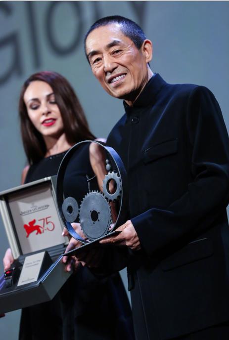 张艺谋携新作品《影》亮相威尼斯 获电影人荣誉奖